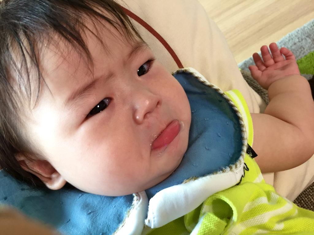 不機嫌な赤ちゃん