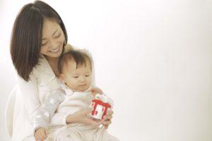 新米ママと赤ちゃん