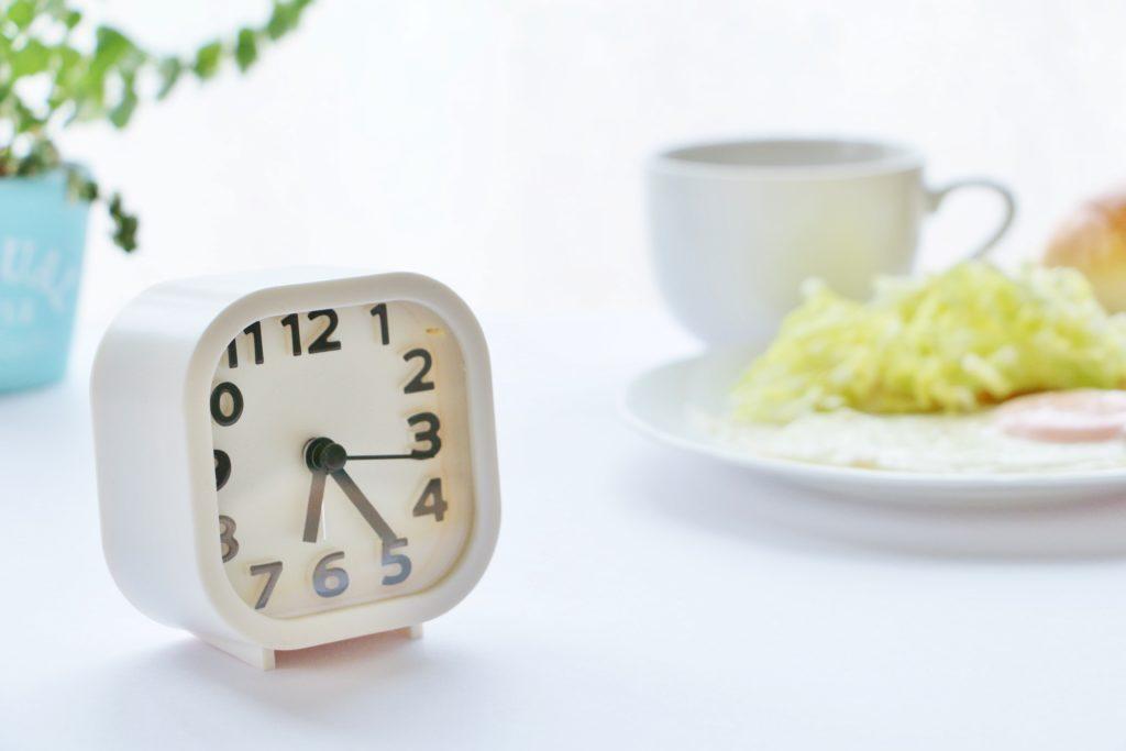 時計とご飯